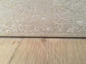 Strak vakmanschap in Overijssel. Vloer kan onder rustieke plint gelegd worden, mits genoeg ruimte wordt gehouden.