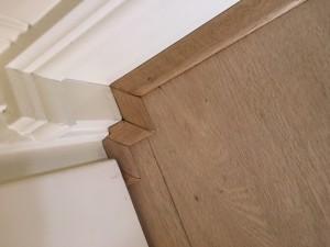 De technieken van de leggers zorgen ervoor dat de afwerking van de vloer ook strak is gelegd in Venlo.