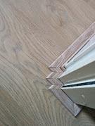 Het schuren van de vloer zorgt voor een prachtig patroon in uw vloer, zoals de vloer geschuurd in Enschede.
