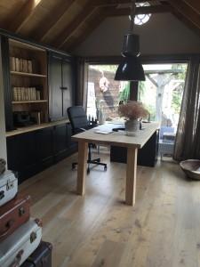 Niet alleen zijn de houten vloeren erg mooi, ze zijn ook praktisch en dus geschikt voor kantoorgebruik